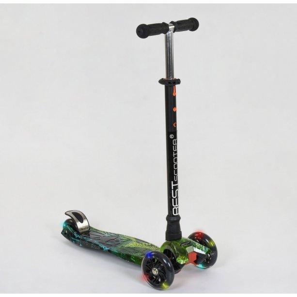 Детский Самокат MAXI Best Scooter пластмассовый, 4 колеса PU, свет, d=12см для мальчика
